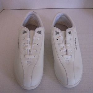 Easy Spirit Women's White Leather Lace Up Shoes
